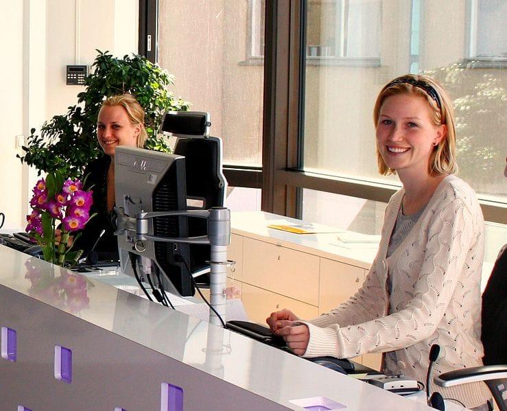 blog-brand-experience-lobby-receptionists.jpg