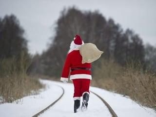 bag-christmas-christmastree-red-santa-Favim.com-124004.jpg