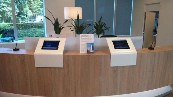 blog-office-design-trends-2017-sodexo-integrated-kiosk-reception.jpg