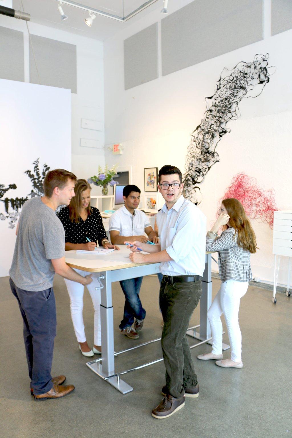 blog-office-design-trends-2017-standing-table.jpg