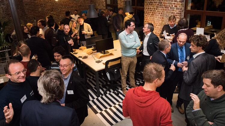 blog-office-warming-Deloitte-guests.jpg