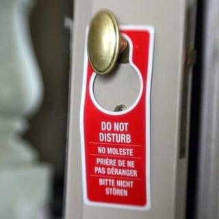 blog-virtual-meetings-do-not-disturb-sign-613290-edited.jpg