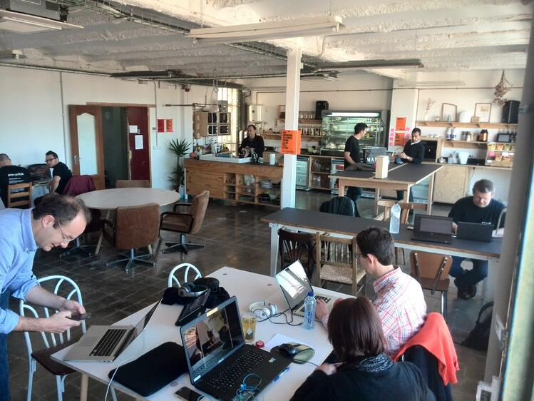 blog-working-from-anywhere-co-working-space.jpg