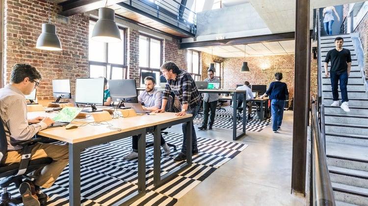 blog-workplace-communication-modern-office.jpg