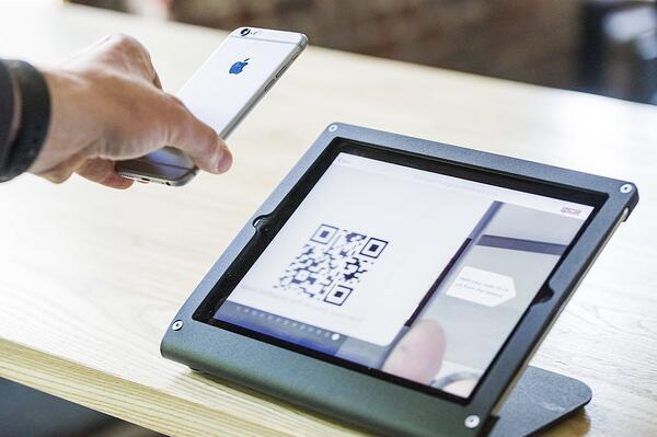 QR code touchless check-in Proxyclick